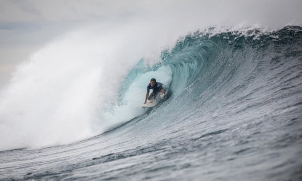 Sally Fitzgibbons finds form ahead of Olympics with WSL win at Rottnest Island